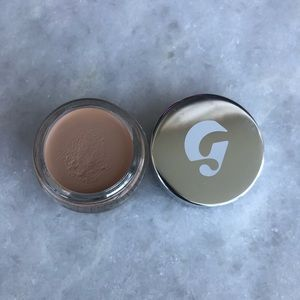 Glossier Makeup - Glossier Stretch Concealer G11